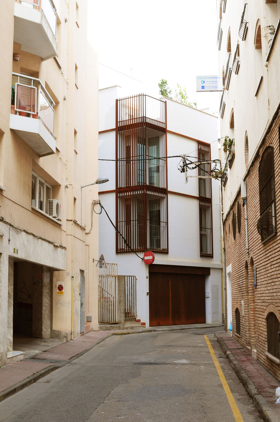Compact Home in Spain With An Arresting Inverted Floor-Plan