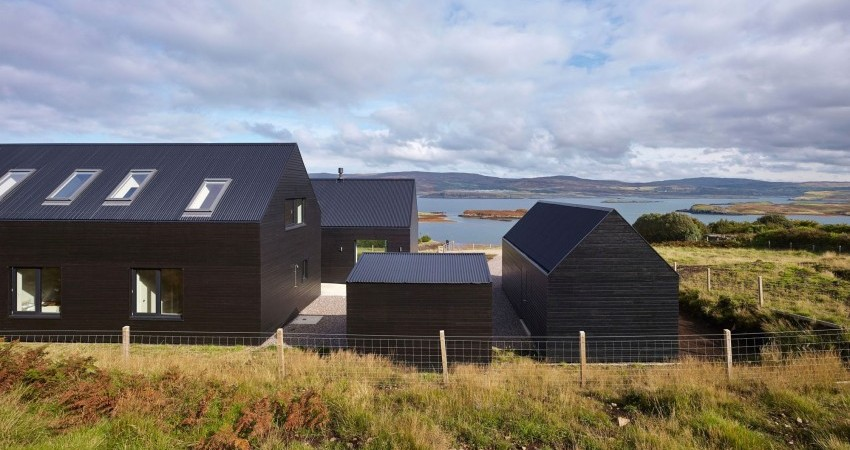 Cluster of Black Dwellings Grouped Around a Central Courtyard: House in Colbost