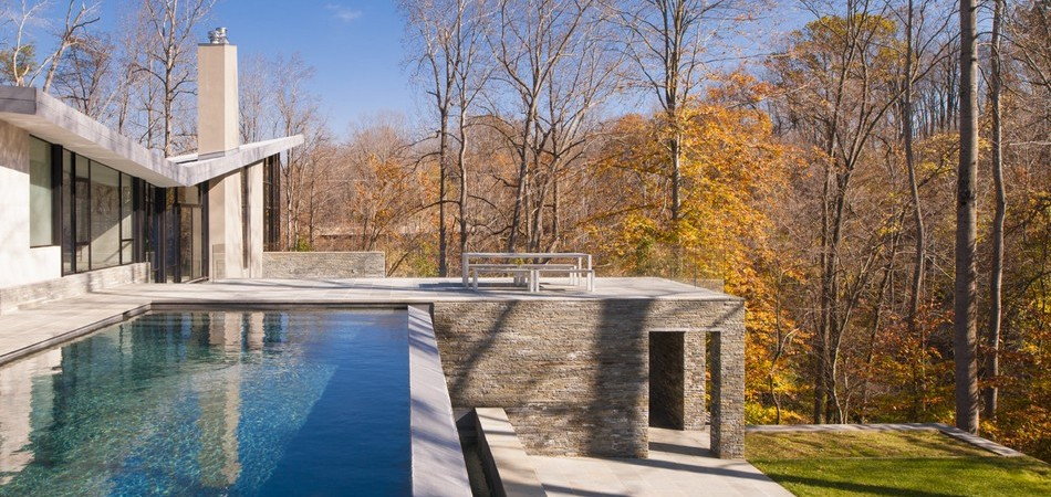 Difficult Run Residence in Virginia Parading An Abundance of Outdoor Living Spaces