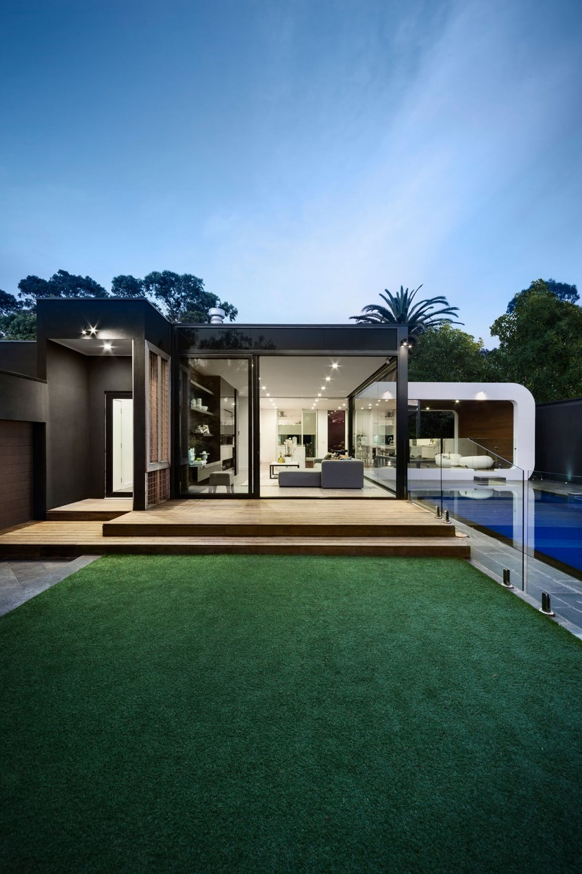 31 Modern Home Decor Ideas For 2016: Heritage Building In Portugal Gets A Striking Contemporary
