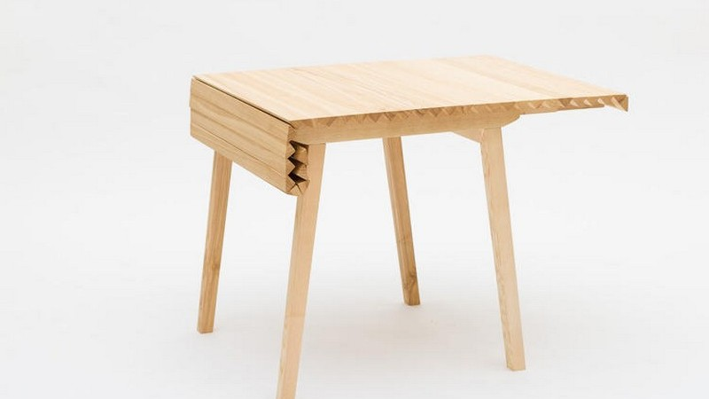 Ingenious Folding Table Inspired by a Caterpillar's Track: Wooden Cloth [Video]