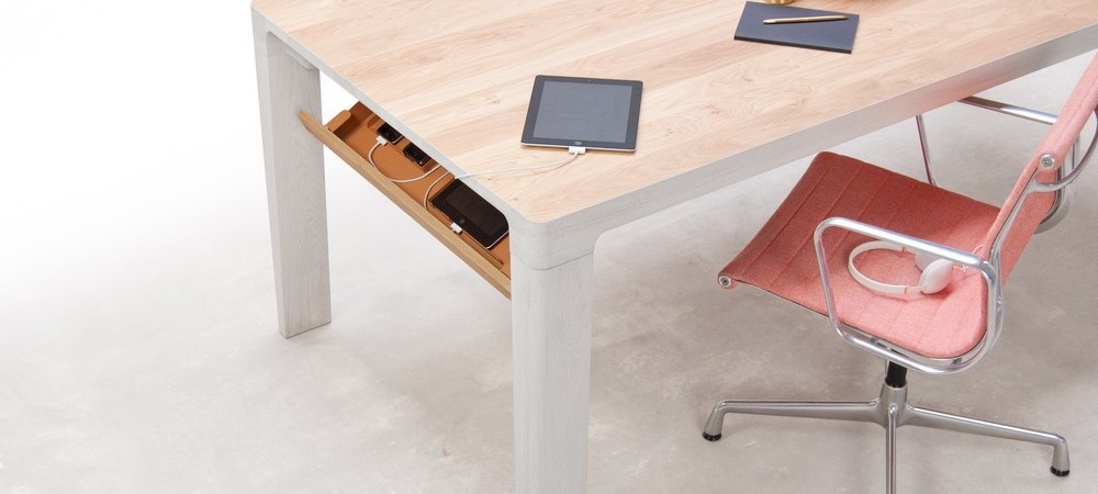 """Elegant """"Shift Table"""" Keeps Your Gadgets Charging in Their Own Hidden Place"""