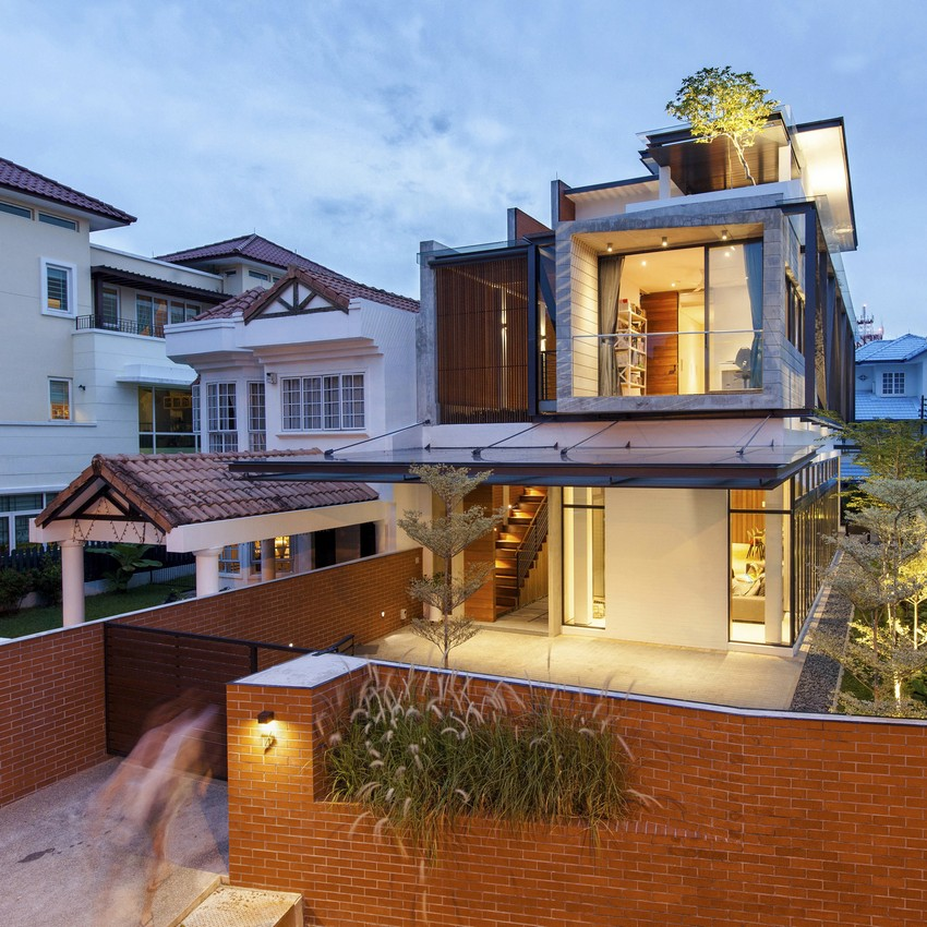 Clever Semi Detached House With Elongated Volumes In Singapore