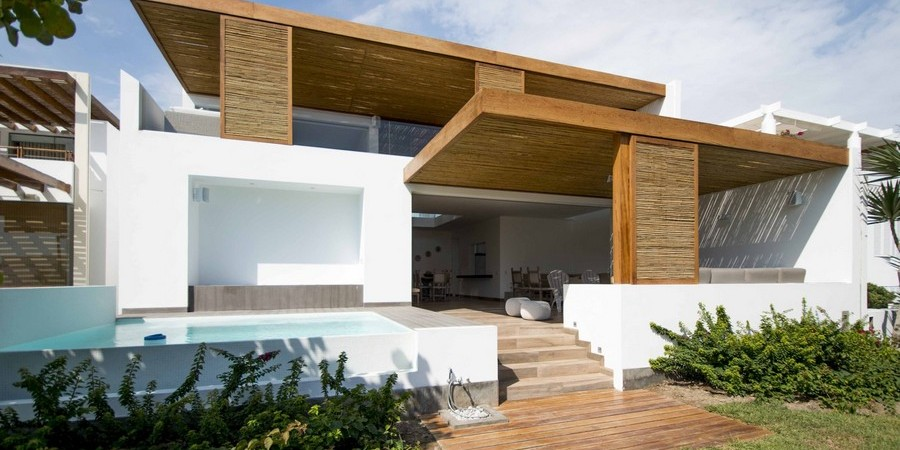 Beach Family Escape in Peru Exuding Harmony and Creativity: The Panda House