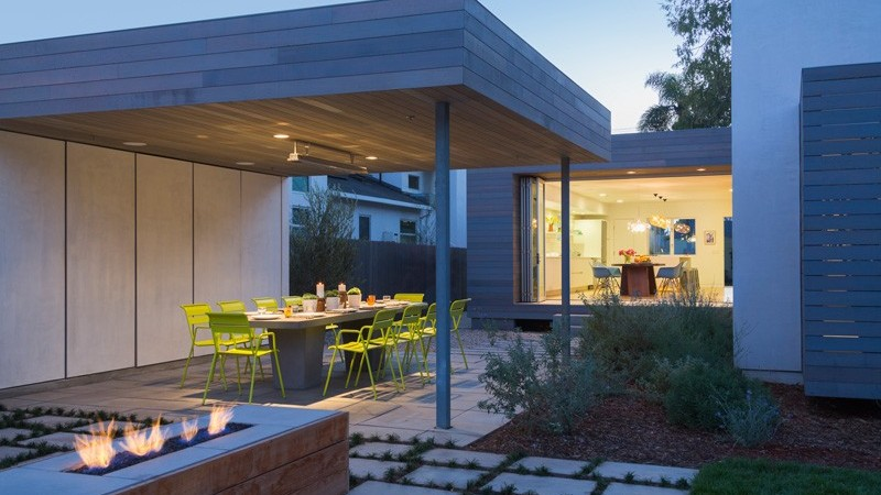Playful Dynamics Exuded by Family Home in California: Keystone Ave Residence