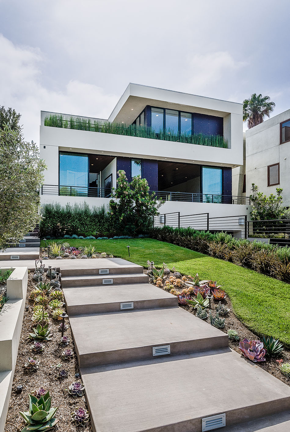 Exclusive new home overlooking the city of angels