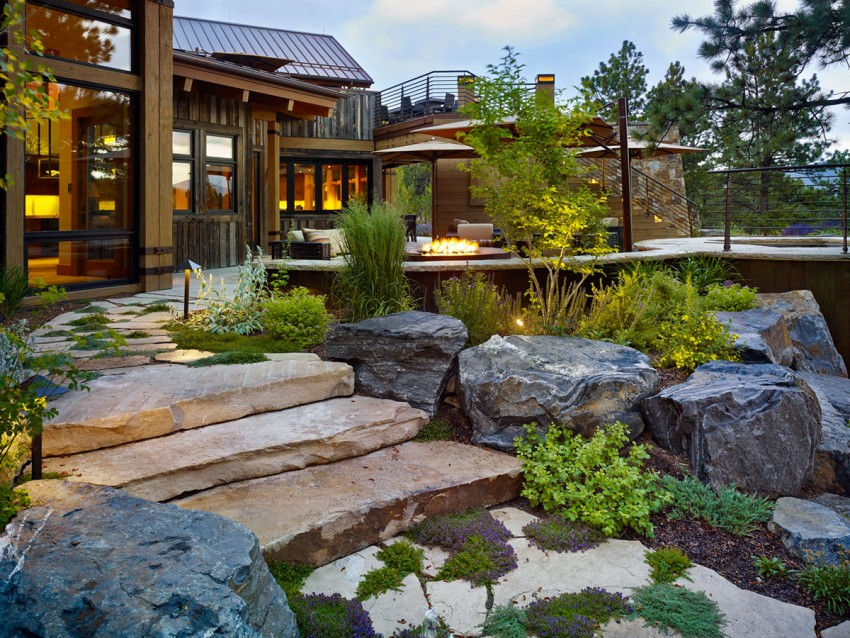 Inviting Colorado Chalet Anchored in Nature: Eberl Residence