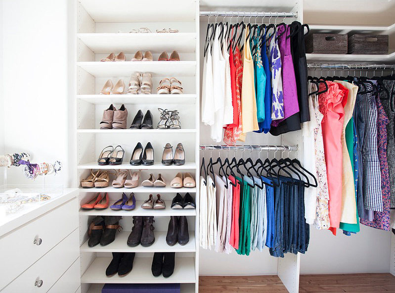 closet color and shelves