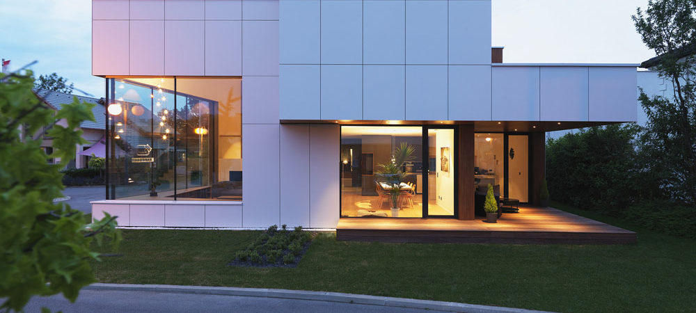 Prefabricated House Design in Vienna Embraces Transparency