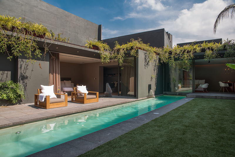 Design Based on Expectation and Surprise: Barrancas House in Mexico City