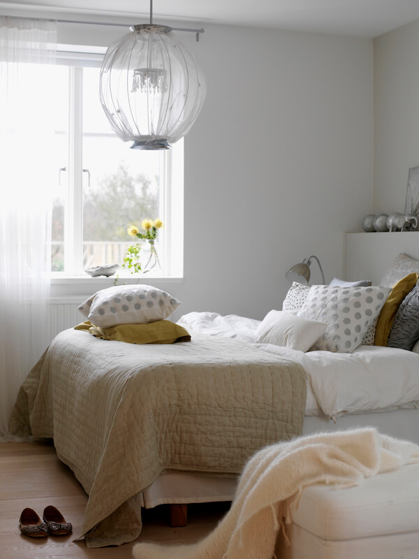 30 Small Bedroom Ideas to Make Your Home Look Bigger | Freshome.com
