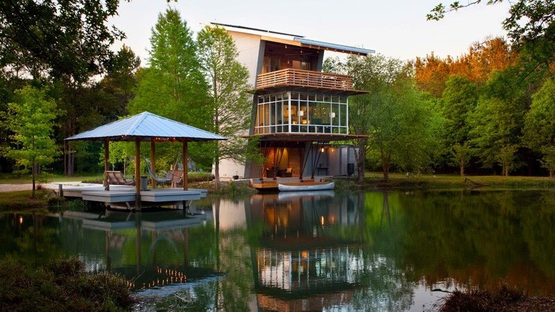Pond House at Ten Oaks Farm Anchored in Picturesque Surroundings
