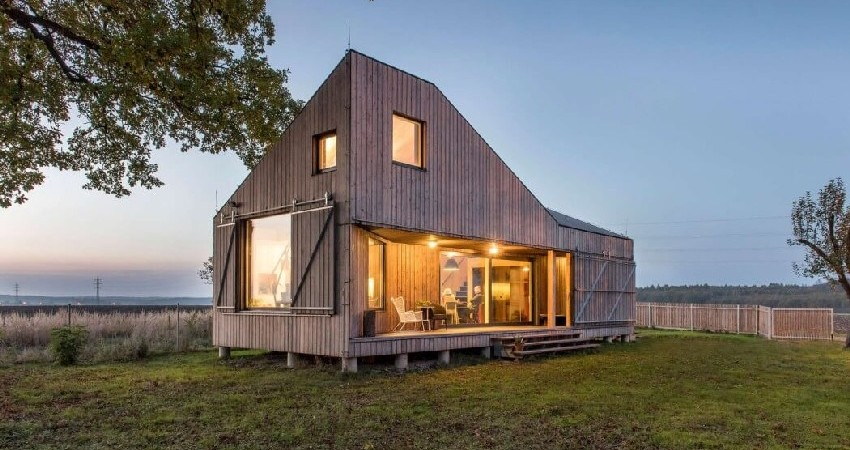 Sustainable Family Dwelling in Bohemia Surrounded by Nature: Zilvar House