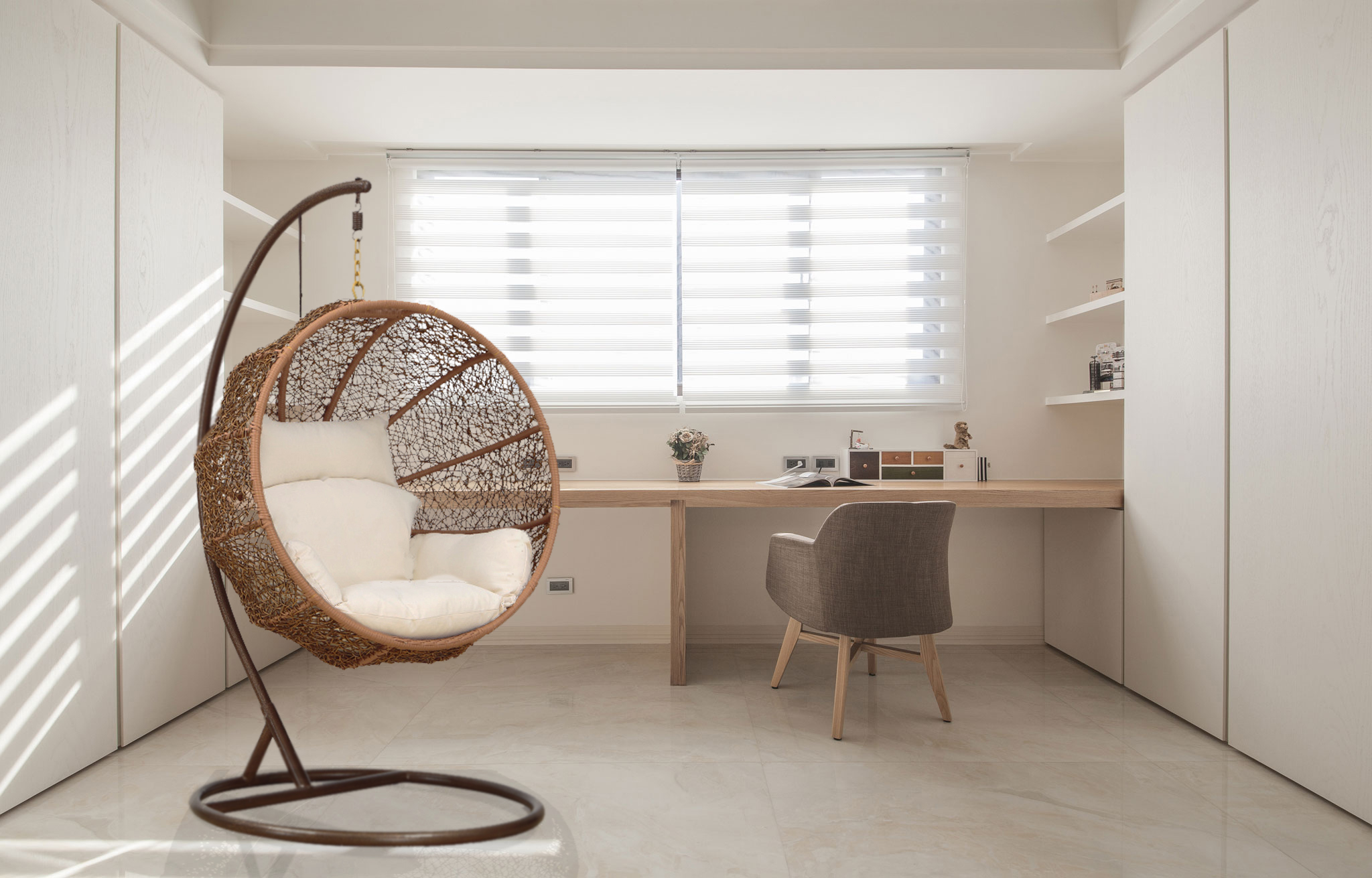 Collect this idea 1HangingLoungeChair_Office & Nested Hanging Lounge Chair - Freshome