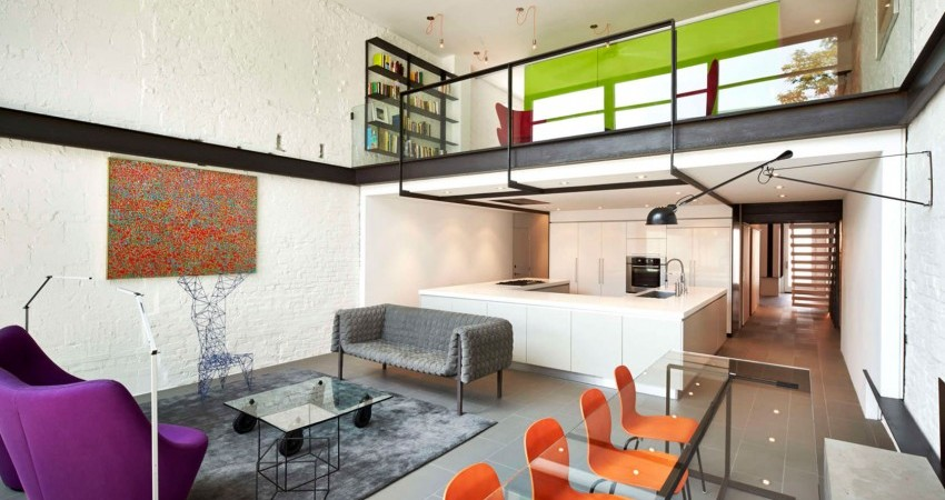 Modern Salt and Pepper House in D.C. Sprinkled with Color