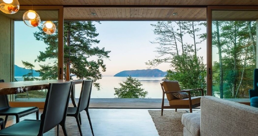 Contemporary Retreat on Washington's Orcas Island