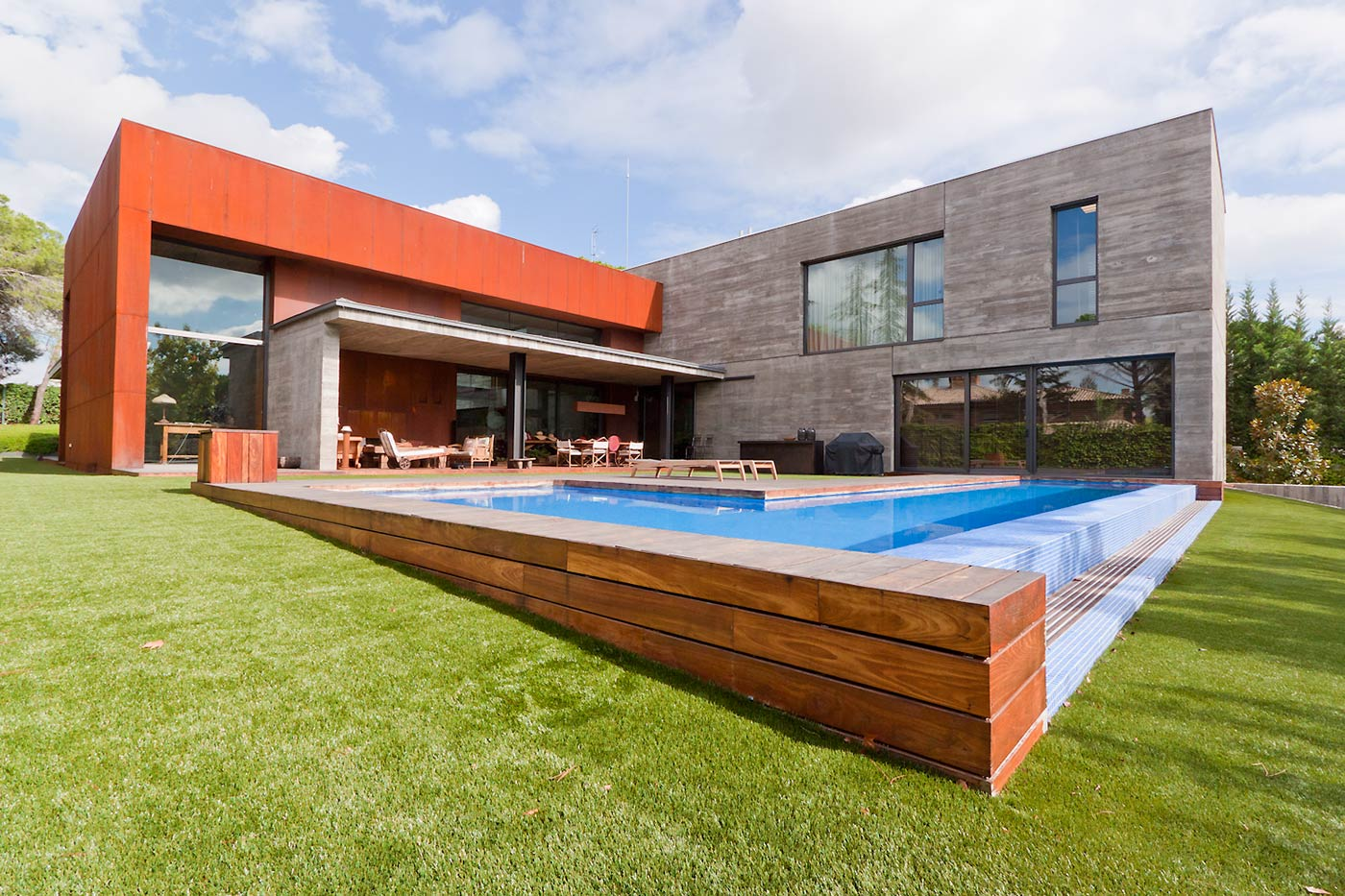 Madrid Villa Offers Luxurious Escape From City Life