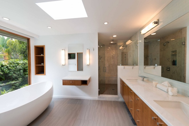 light wood bathroom