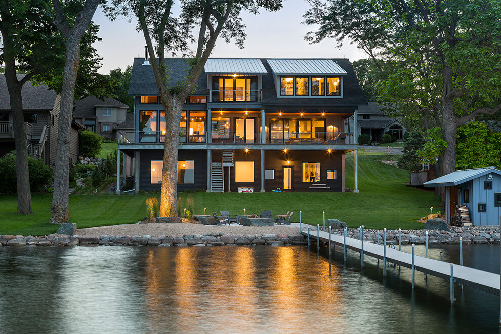 Contemporary Lake House In Minnesota Encourages Fun
