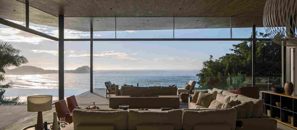 Hillside Retreat in Brazil Opens to the Ocean