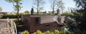 Contemporary Houseboat in the Netherlands Offers Both Privacy and Views