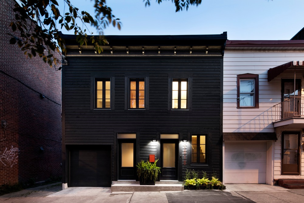 Light Opens Up Tiny Turn-of-the-Century Home in Montreal