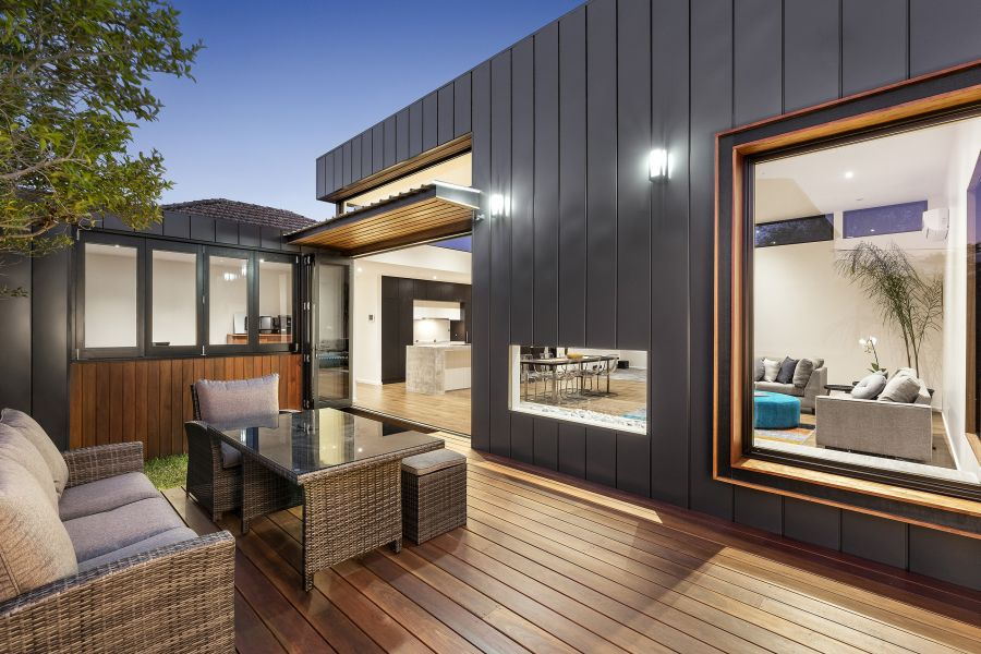 Australian Home's Contemporary Interiors, Outdoor Spaces Defy Art Deco Facade