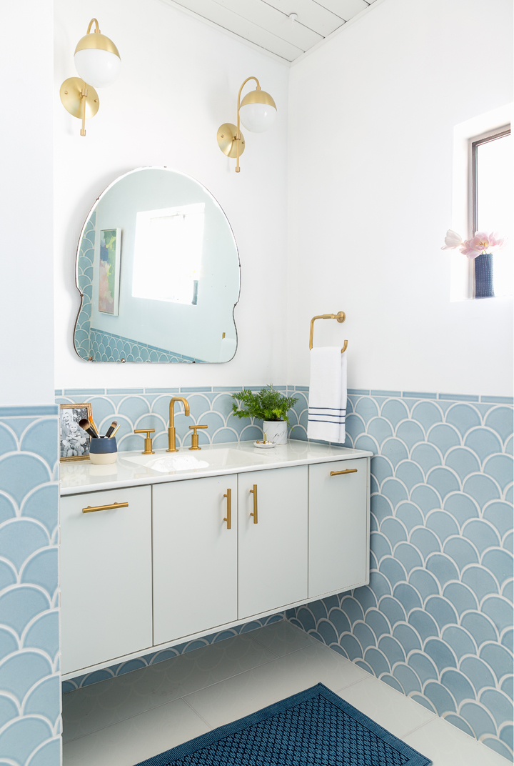 17 Bathroom Tile Ideas That Are Anything But Boring | Freshome.com on 1940s bathroom floor tile, 1940s wood kitchen cabinets, 1940s metal kitchen cabinets columbia,