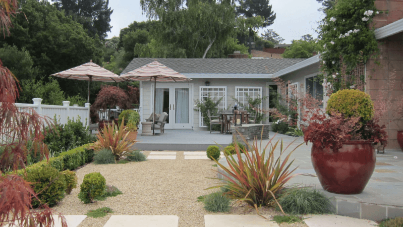 5 Drought-Tolerant Landscaping Ideas for a Modern Low-Water Garden