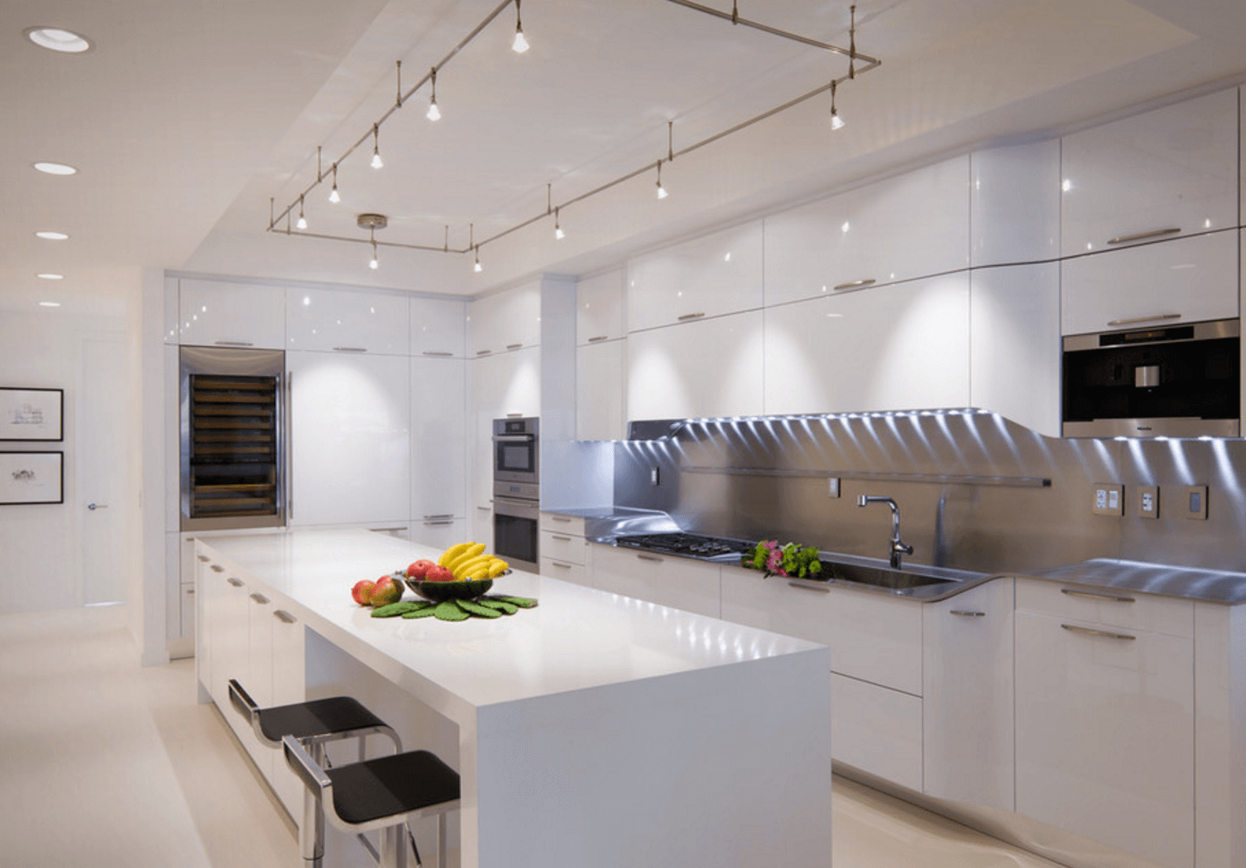 How to design kitchen lighting Recessed Lighting Track Lighting toby Zack Interior Design Freshomecom Easy Kitchen Lighting Upgrades Freshomecom