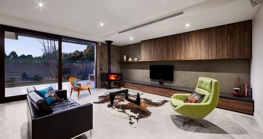 1970s Residence in Australia Gets Contemporary Update with a Twist