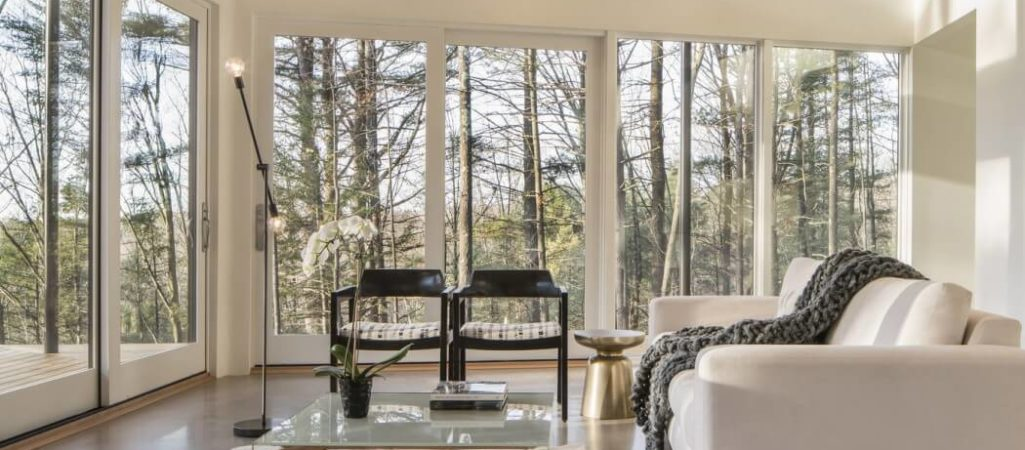 Contemporary Forest Retreat Faces Both Sunrise and Sunset
