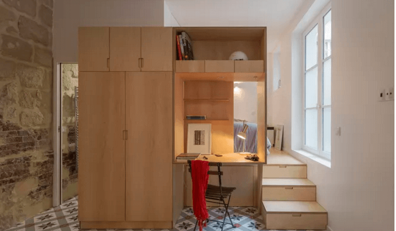 17th-Century Parisian Stables Transformed into Small Studio