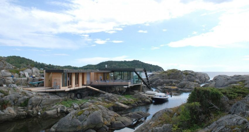Nature-Inspired Home in Norway Accessible Only by Boat