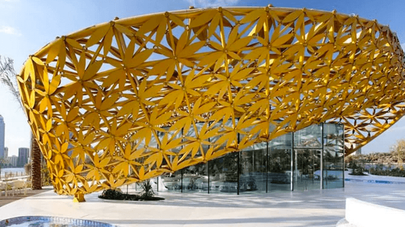 The Butterfly Pavilion Emulates Rainforest in the Arab Emirates