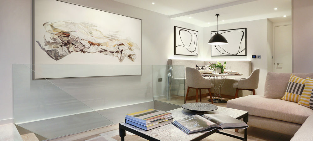 London Townhouse Defined by Artwork and Color Accents