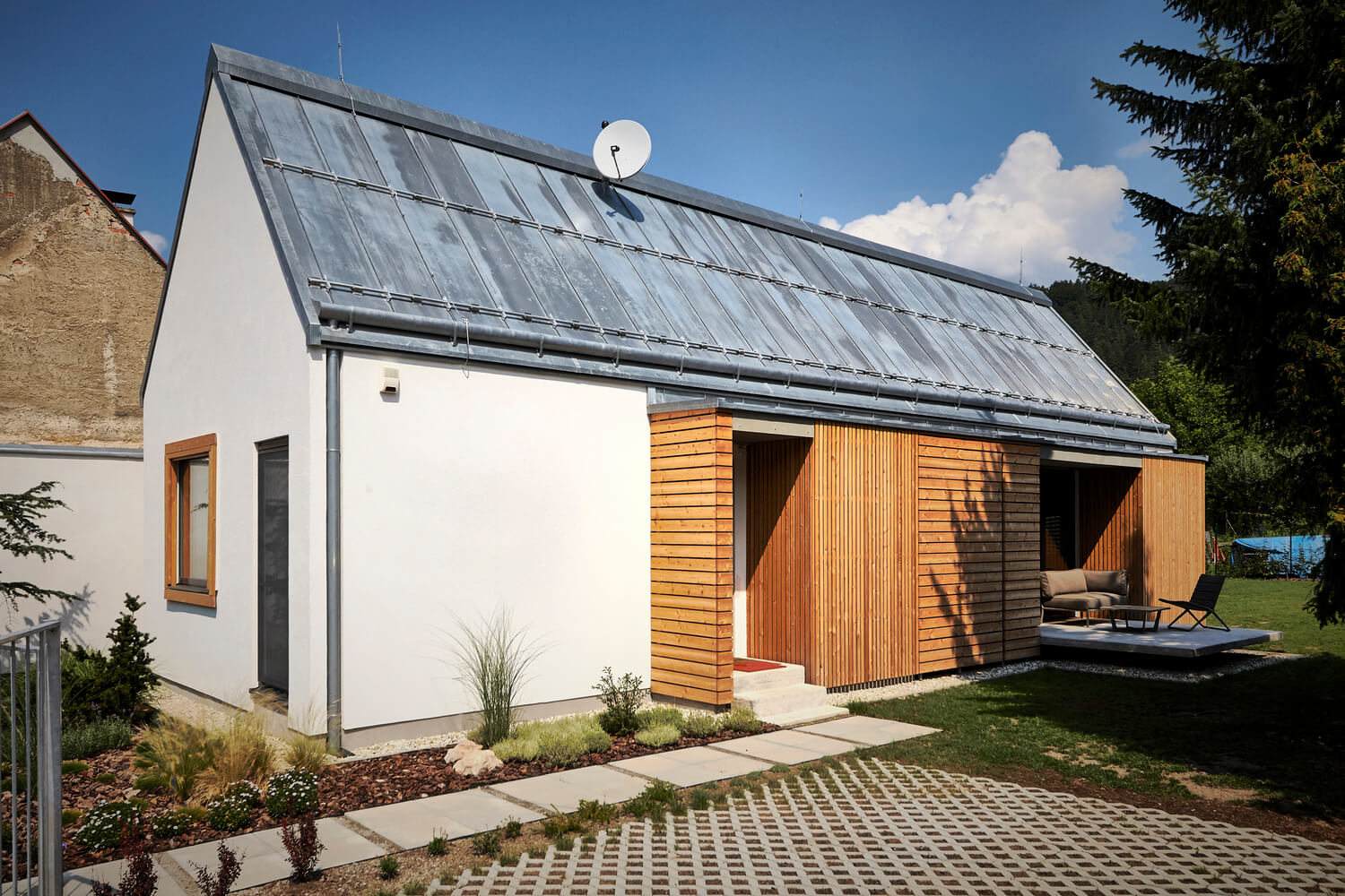 Wooden Brick House Matches Tradition With Innovation