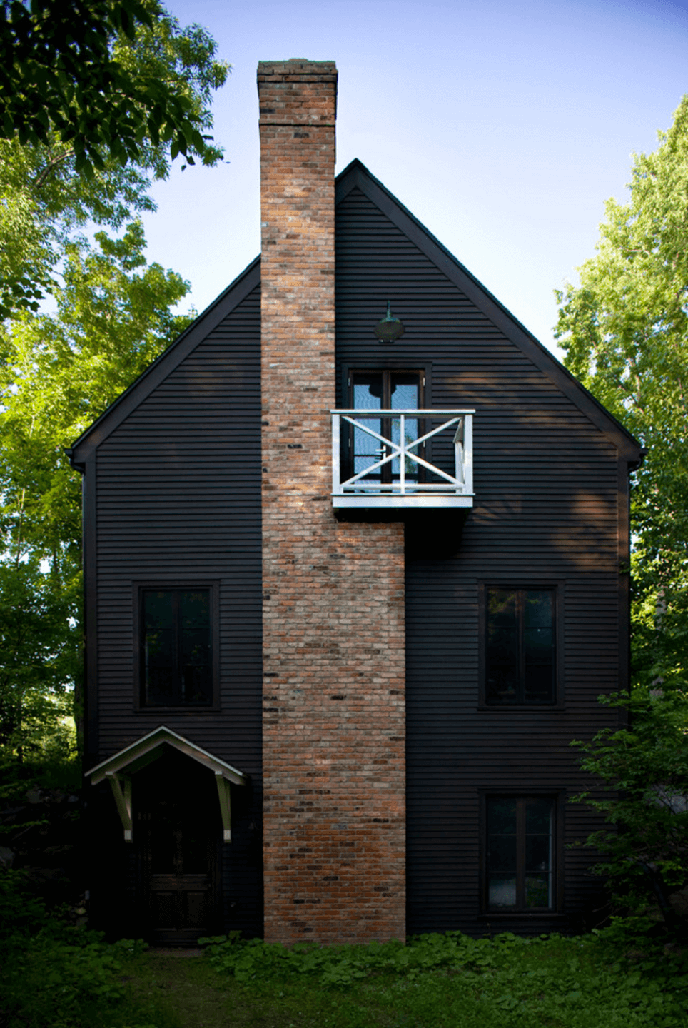 Black Exterior Ideas For A Hauntingly Beautiful Home - Home-exterior-siding