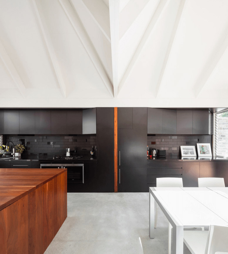 black-kitchen-ideas-freshome14