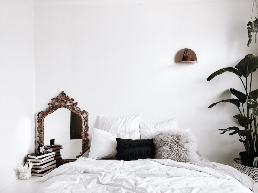 Awesome 10 Small Bedroom Ideas That Are Big In Style