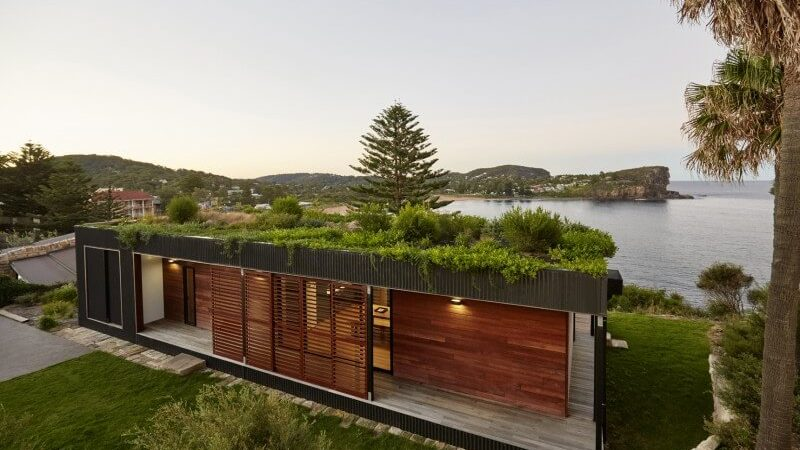 Green Roof Shows Off Sustainable Living by the Australian Coast