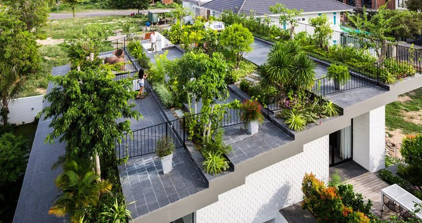 Lovely Roof Garden Adorns Contemporary Home in Vietnam