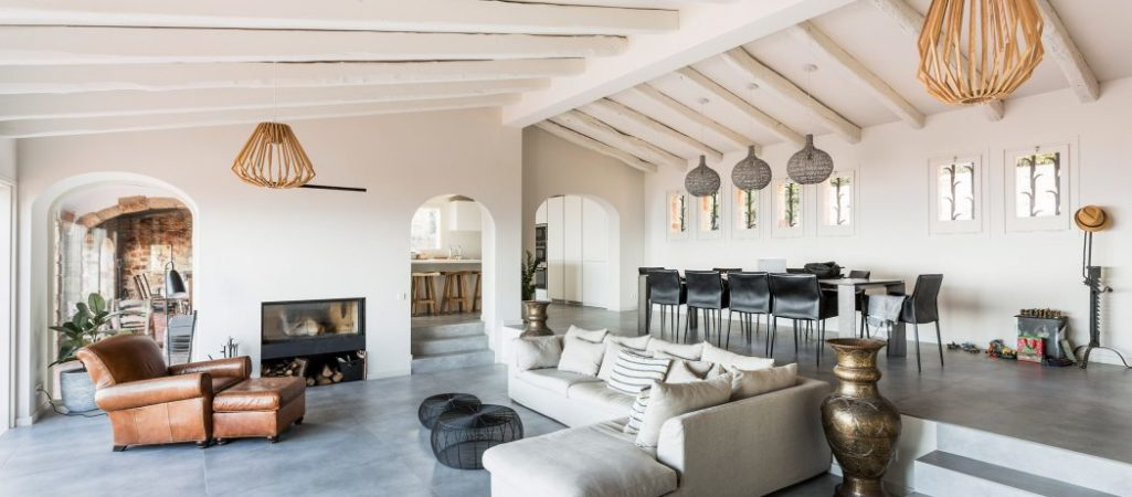 Beach Home in Spain Feels Both Casual and Refined