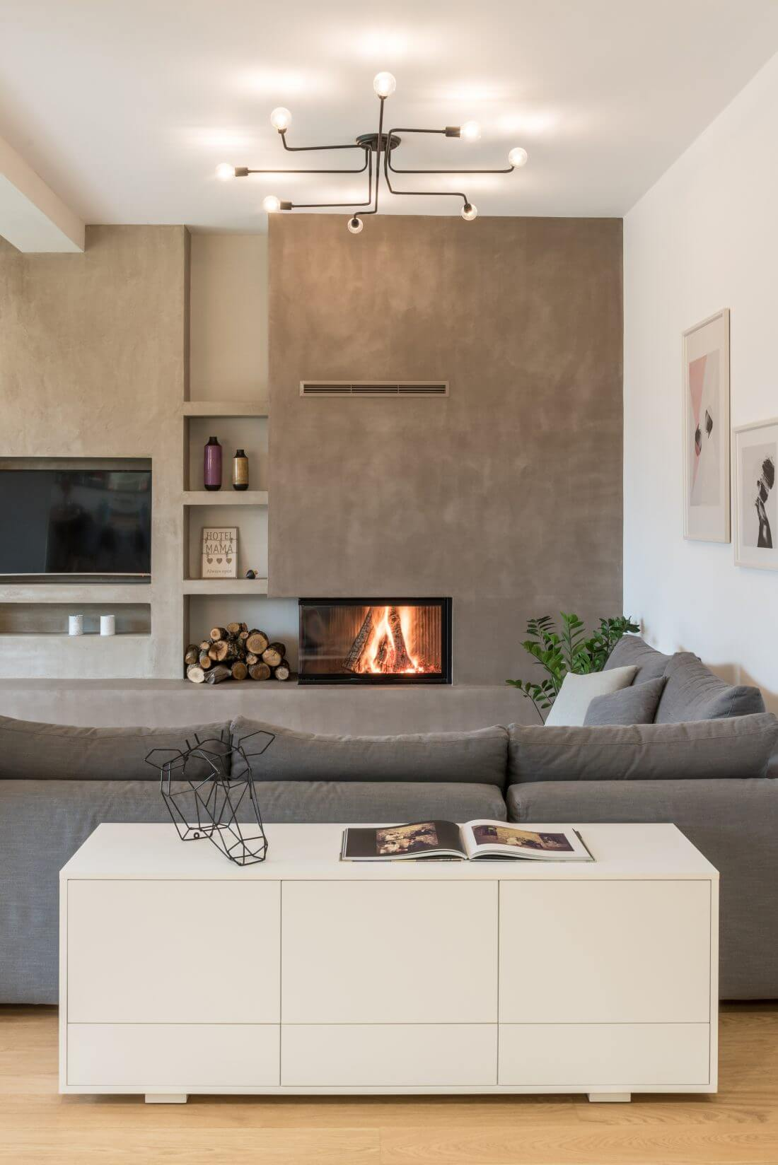 GREEK APARTMENT PROVES IT S HIP TO BE SQUARE FRESHOME COM