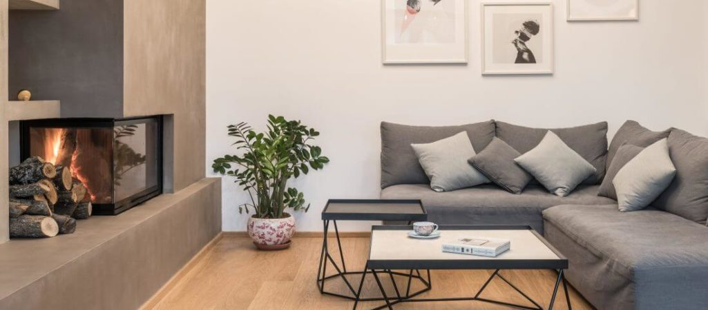 Greek Apartment Proves it's Hip to be Square