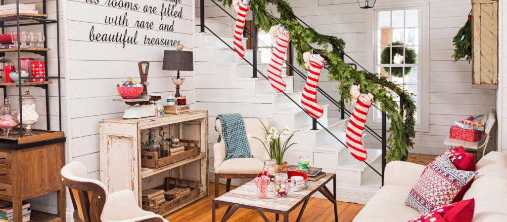 17 Christmas Living Rooms We're Loving
