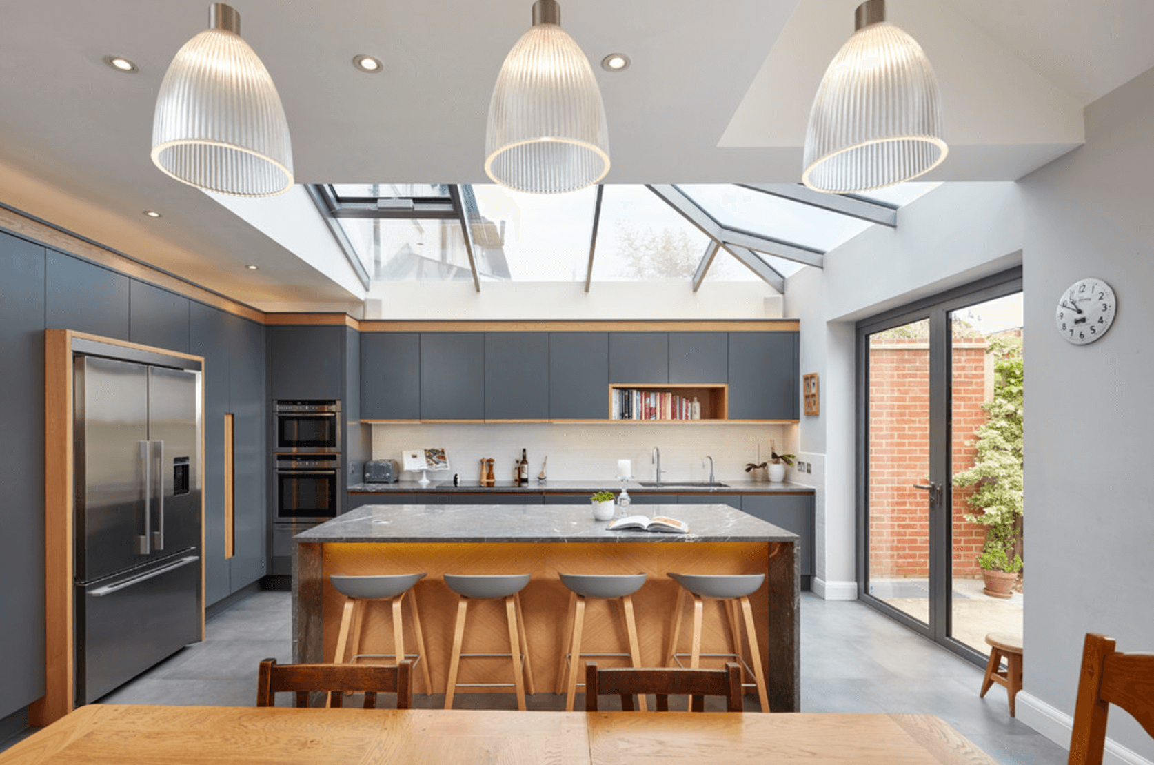 outdated-kitchen-freshome-8