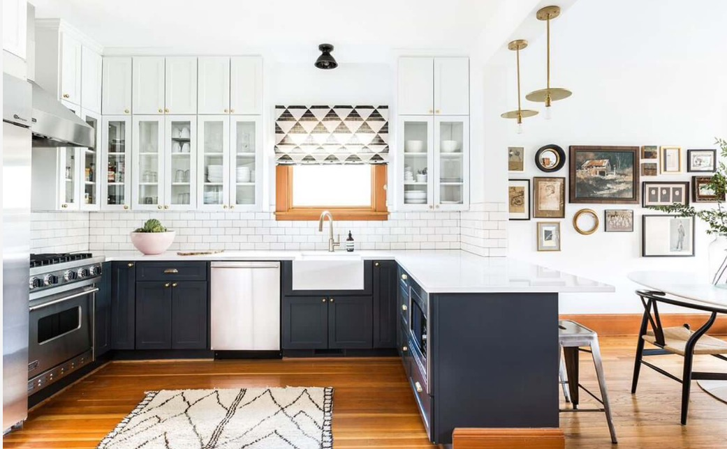 2017s Navy Trend How To Use The New Faux Neutral - The-newest-trend-for-the-apartments-let-the-color-get-inside