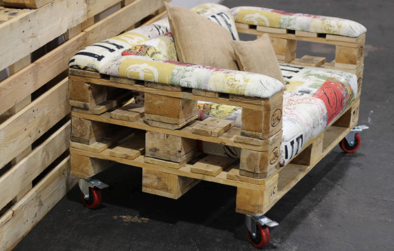 ideas on how to make pallet furniture