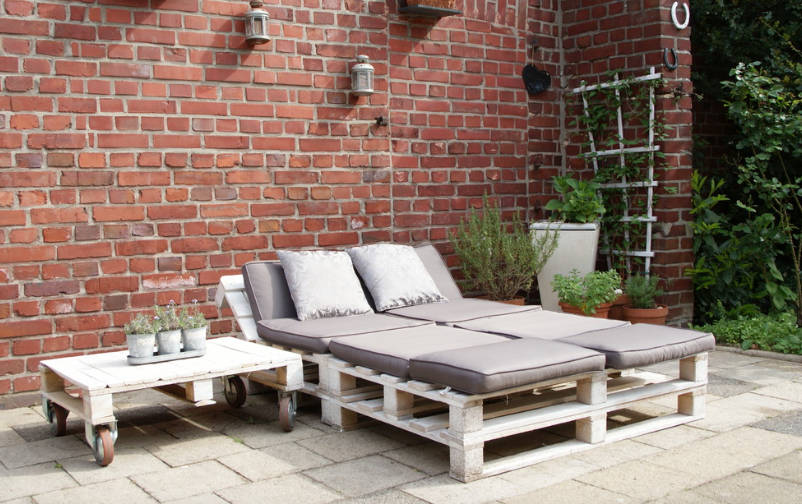 outdoor furniture made out of pallets - freshome.com